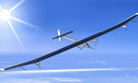 """中国首架太阳能飞机""""墨子号""""成功首飞"""