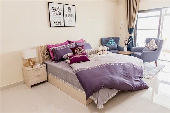 据介绍公寓总建筑面积接近6万平方米, 有单身公寓也有小夫妻公寓,还有各种风格的装修。