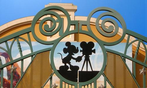巴黎迪士尼乐园将迎来新主人