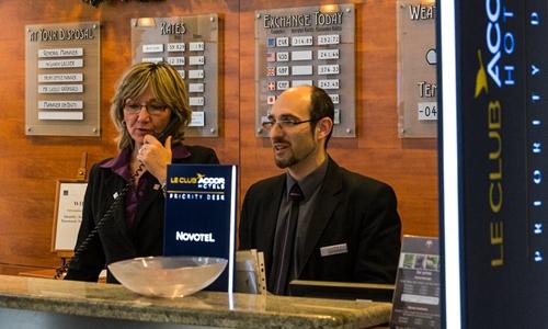 你知道么?酒店前台接待员的价值被低估了近七成!