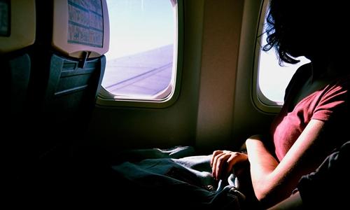 美联航再爆丑闻 有票儿童被迫让座候补乘客