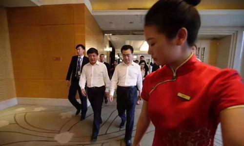 王健林、孙宏斌、李思廉异口同声说:账面有钱!