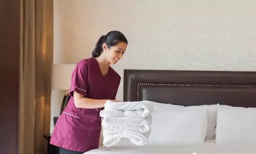 酒店在做定位时是否包含人力资源?