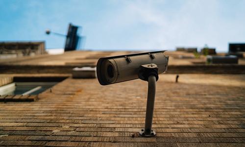 用户住Airbnb发现针孔摄像头 300元住宿用10万元维权