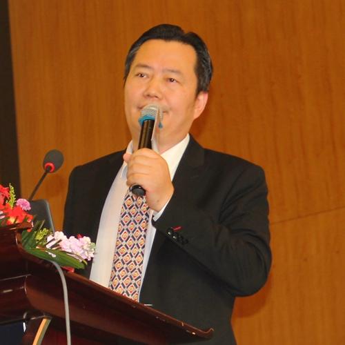 上海市静安区政府副区长  周海鹰