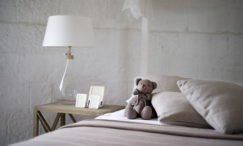 人民日报评酒店卫生问题:难道要背着卧室去旅行?