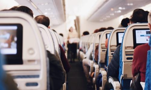 乘坐东航海航可用手机 需设置为