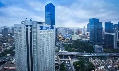 步步紧追 希尔顿在中国赛场上弯道超车