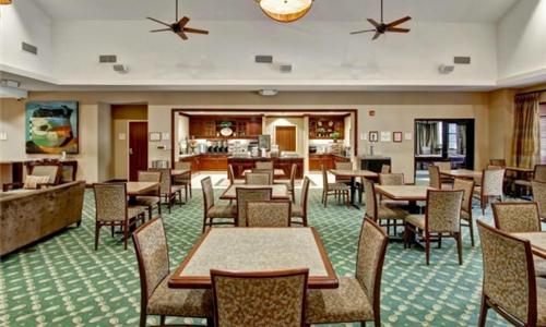 黑石集团将在美国出售15家精选服务酒店