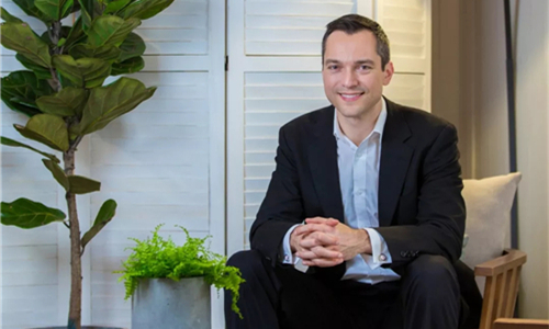 Airbnb联合创始人:如何将陌生人的善意经营成一桩生意?